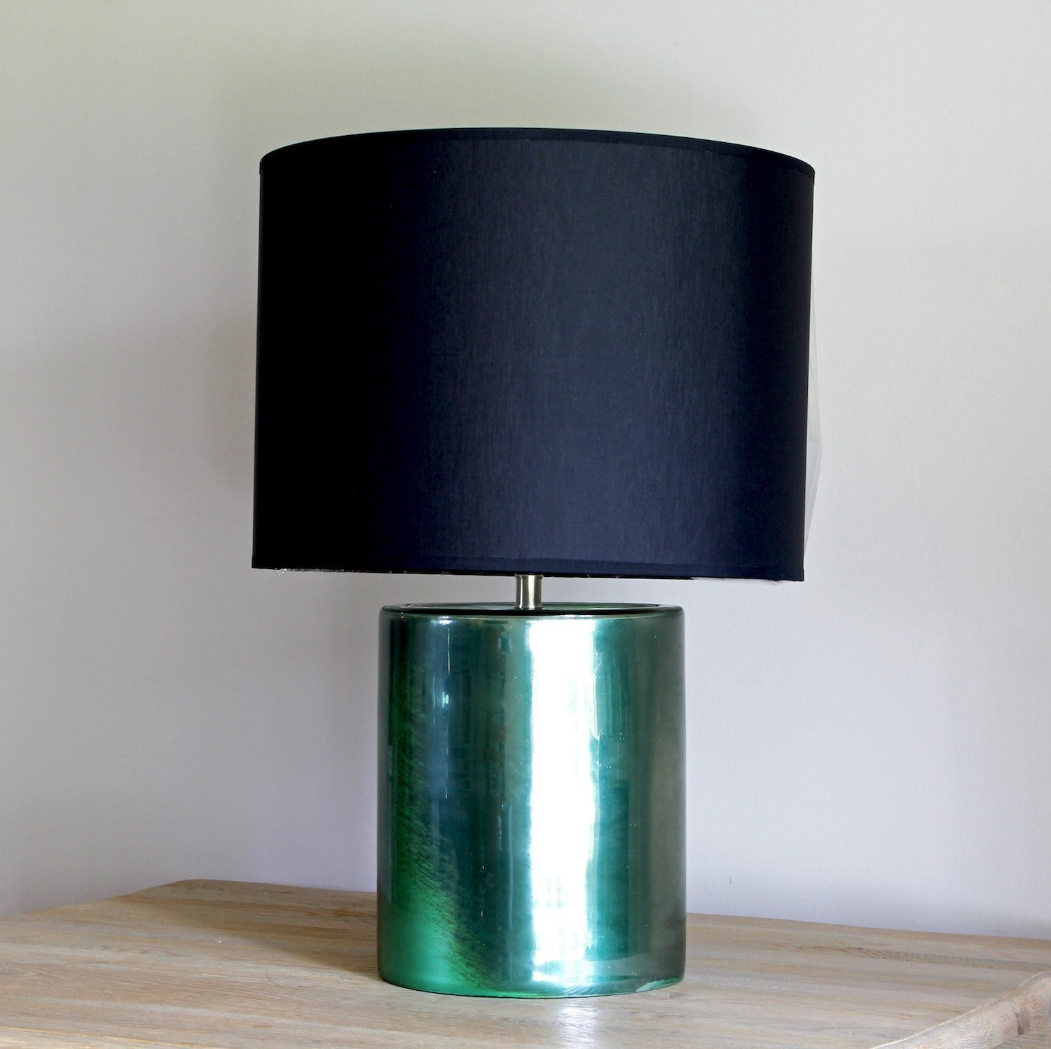 Green cylindrical lamp base